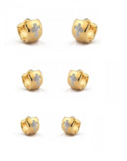 Conjunto com 3 argolas banho de ouro com cruz no ródio